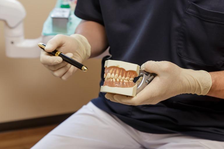 高齢者の方の歯科治療